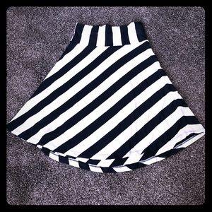 Comfortable Gap skirt
